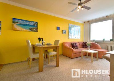 Prodej bytu Petrovice - Obývací pokoj