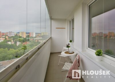 Prodej bytu 1+1/L na Lhotce v Praze 4 - lodžie