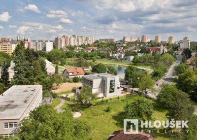 Prodej bytu 1+1/L na Lhotce v Praze 4 - výhled