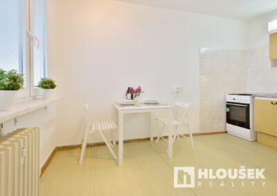 Prodej bytu 1+1/L na Lhotce v Praze 4 - kuchyň