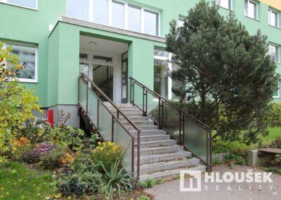 byt 2+kk, Praha 4 - Chodov, ul. Augustinova - vstup do domu Augustinova