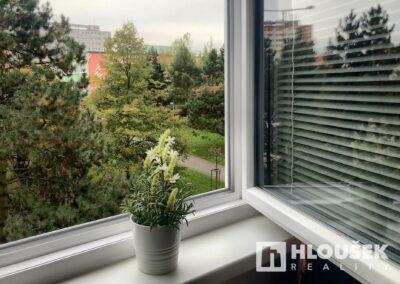 byt 2+kk, Praha 4 - Chodov, ul. Augustinova - výhled z ložnice