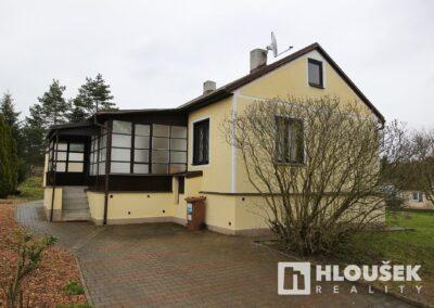 Pronájem domu Dolní Břežany
